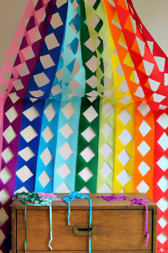 Diy giant geometric streamers julep - Birthday decorations with crepe paper ...