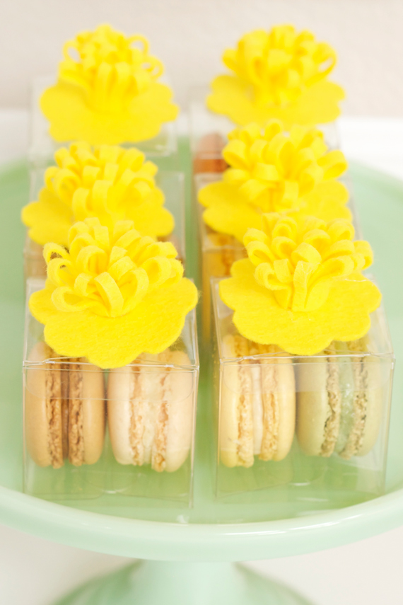 Yellow Daisy Floral Toppers