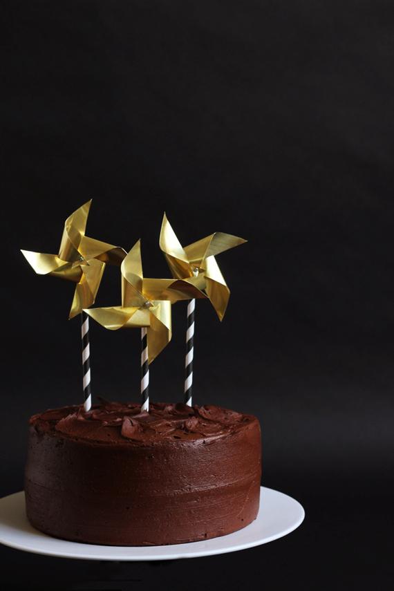 brass cake topper pinwheel