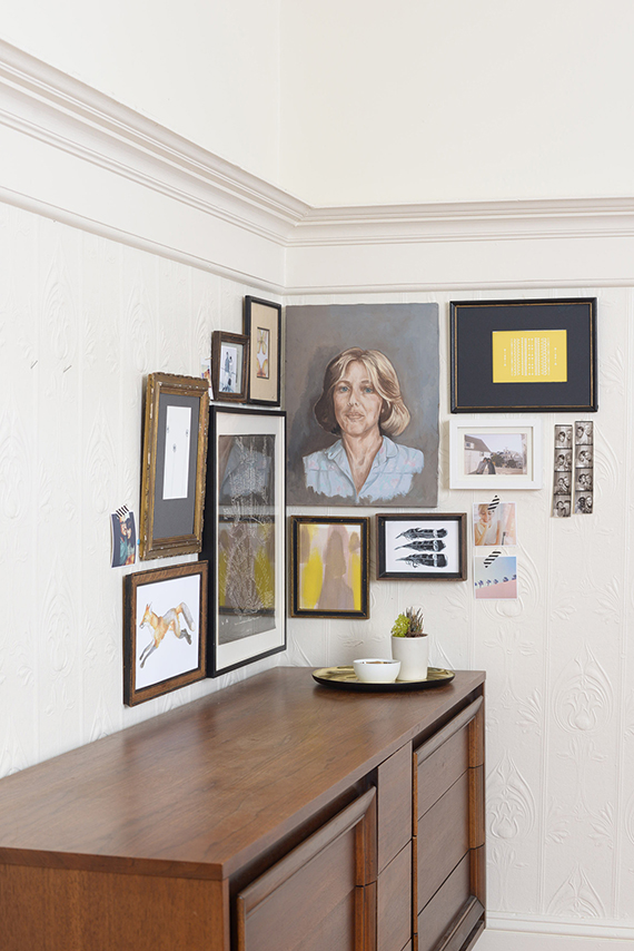 how to create an art gallery wall at home julep