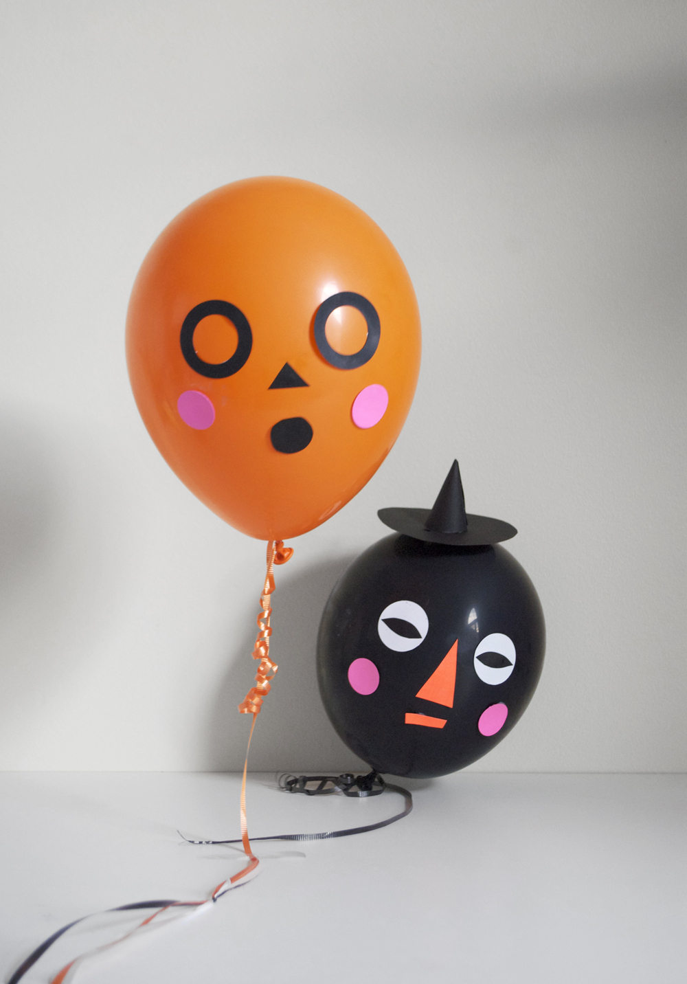 Funny balloon faces - Make Some Silly And Simple Balloon Faces This Halloween These Funny Faces Are A Festive And Super Simple Way To Decorate Your House For A Halloween Party