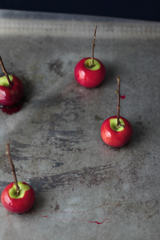 mini candy apples for halloween by kelli hall