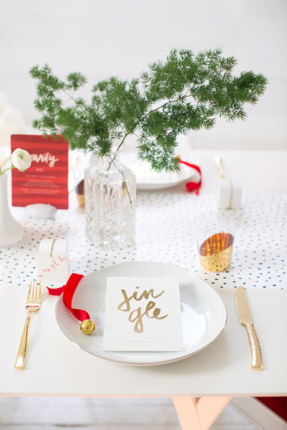 snow dot modern holiday tabletop placesetting