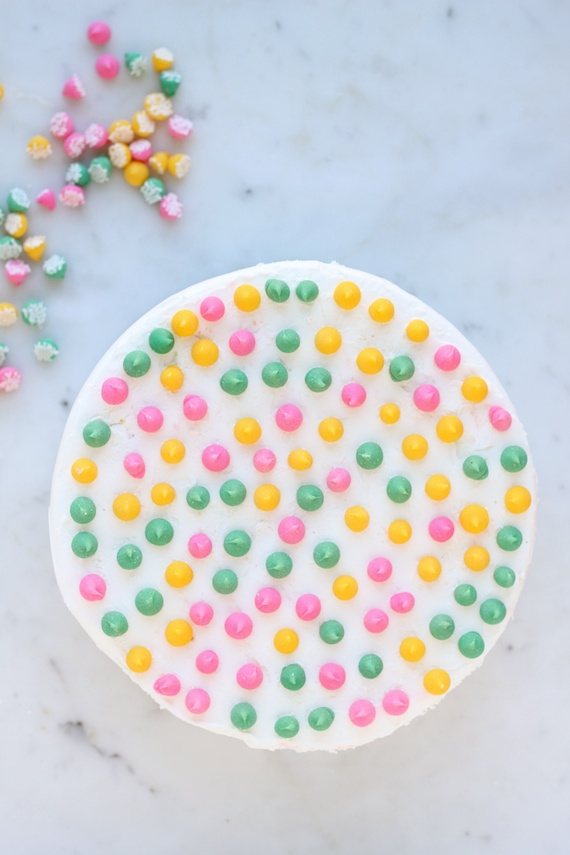 DIY: Four Easy Cake-Decorating Ideas | Julep