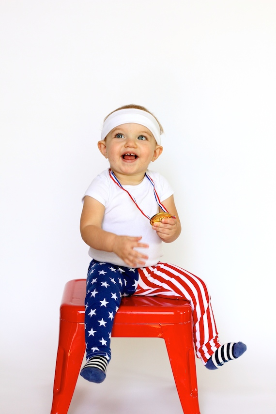 Easy halloween party decor - Five Minute Halloween Costume The Gold Medalist Julep