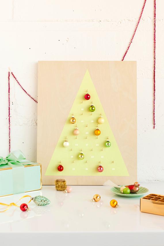 Christbaumkugeln Modern.Diy Modern Christmas Ornament Advent Calendar Julep