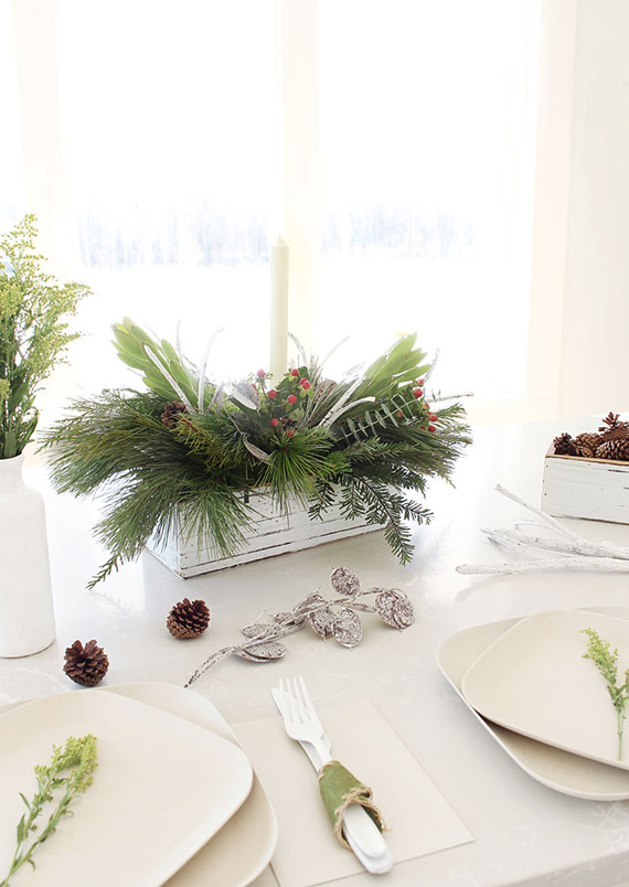 Easy Christmas Centerpiece Idea: Fresh Greenery