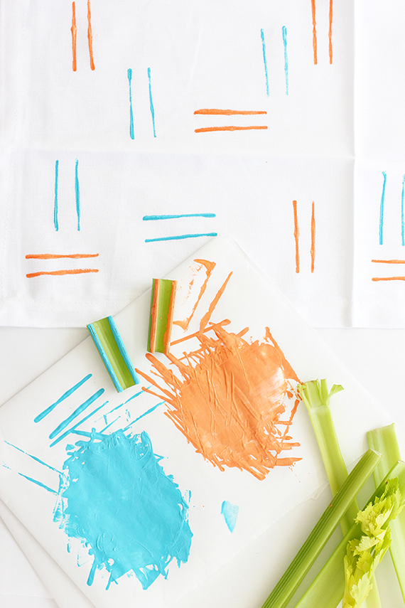 DIY Hand-Stamped Spring Napkins | alice & lois for minted
