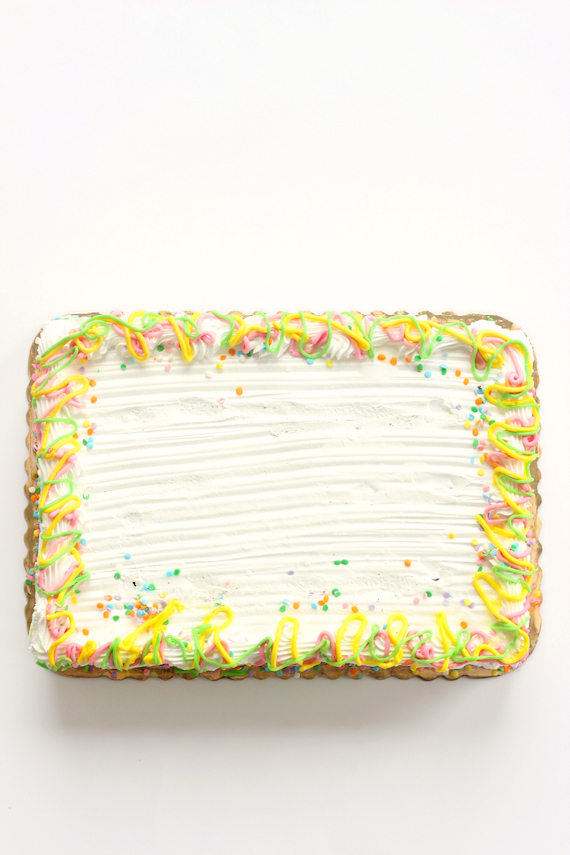 easy ways to decorate a cake