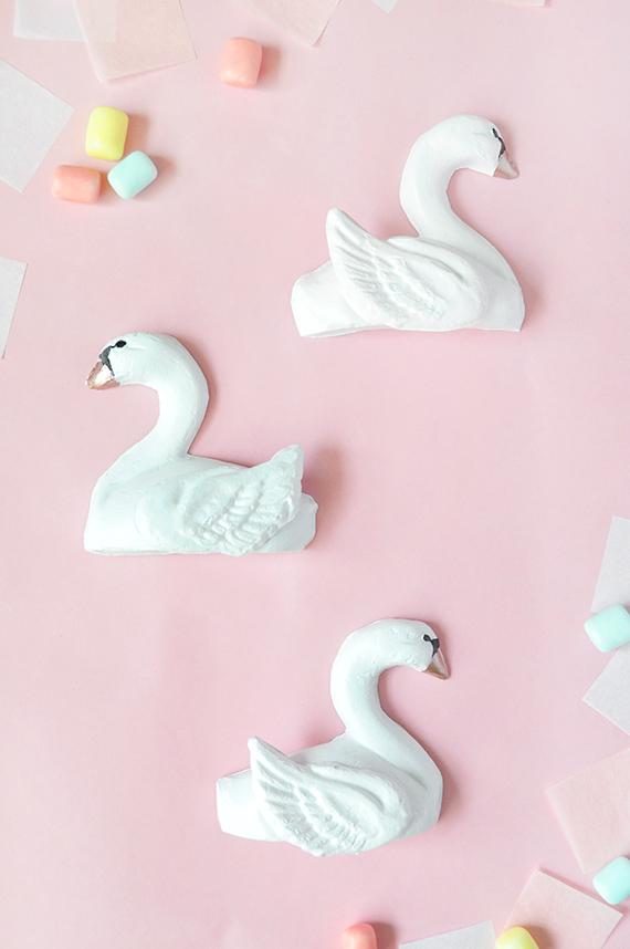 DIY Paper Mache Swan Favors | Julep