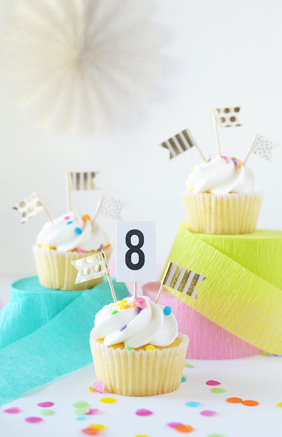 Make these simple cupcake topper flags with washi tape.