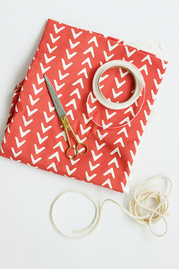 DIY: No-Sew Fabric Gift Bag | alice & lois for minted